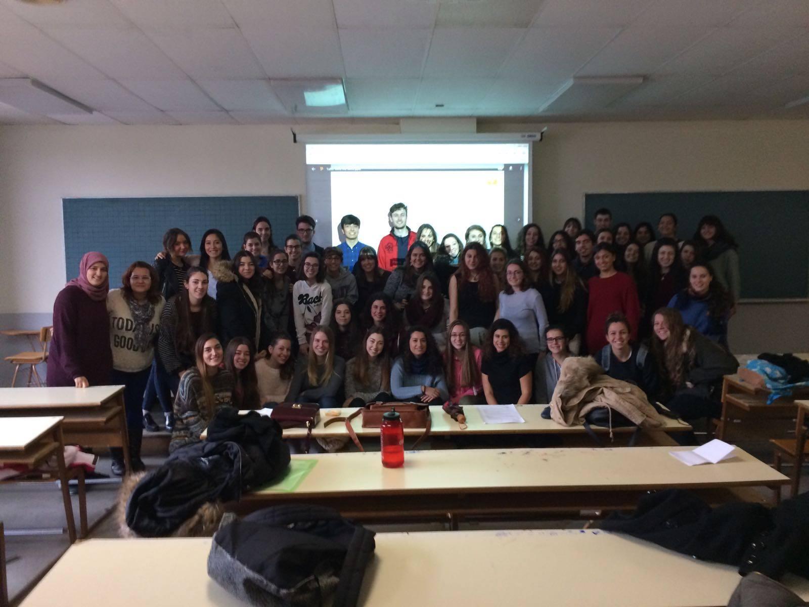 Foto final del primer grupo de las formaciones de la Universidad Complutense de Madrid.