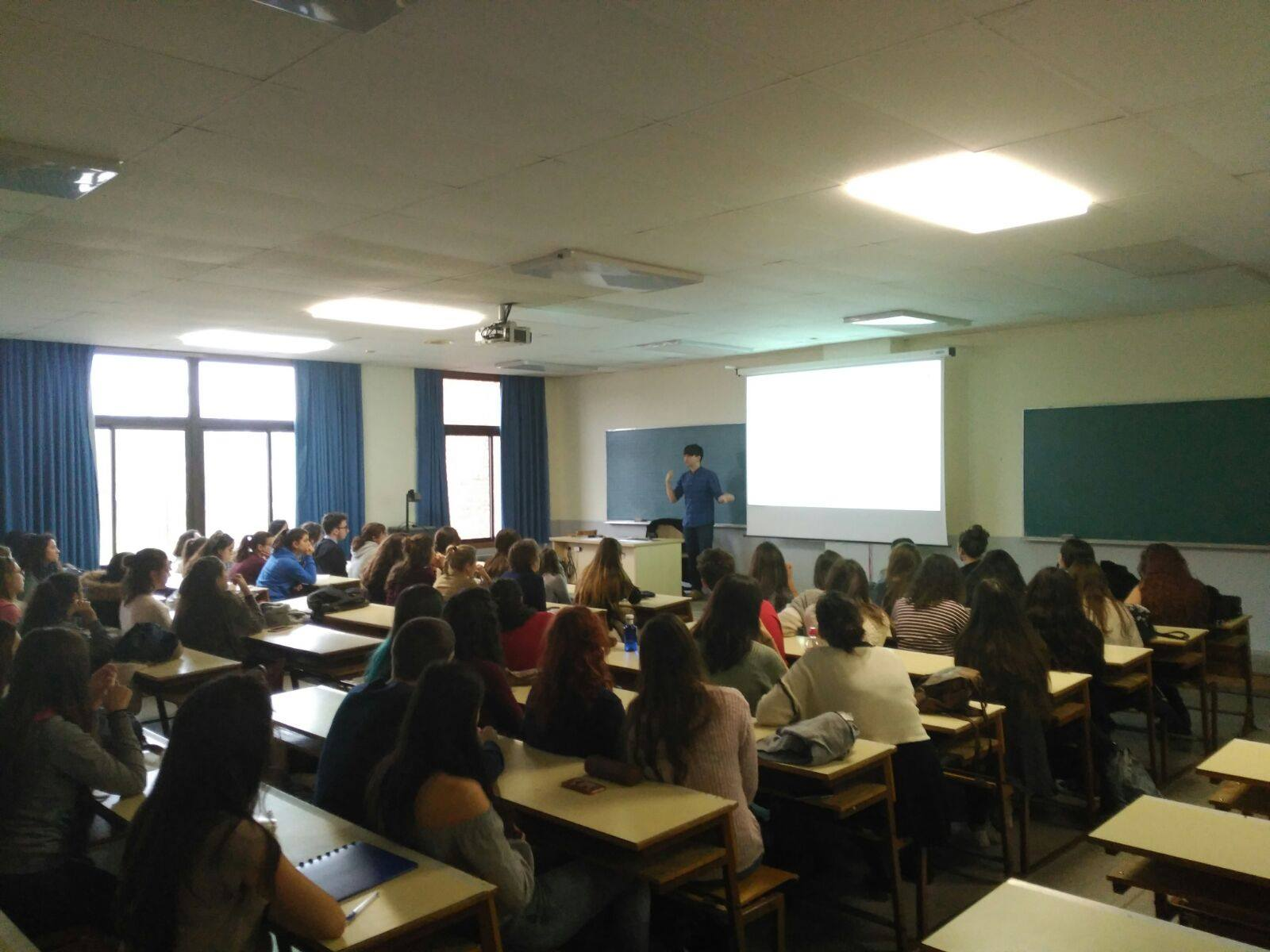 Formando a 80 alumnos de la Universidad Complutense de Madrid.