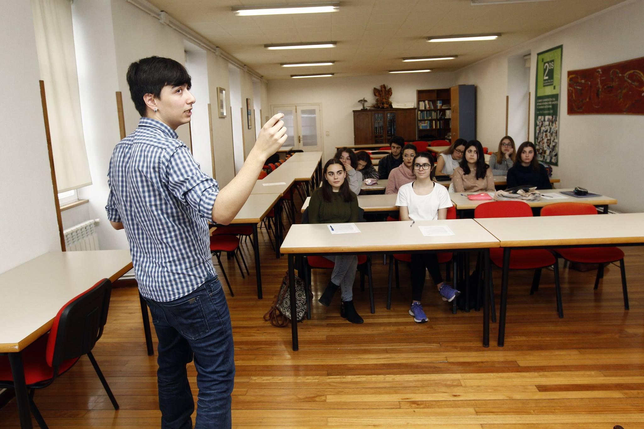 Formaciones de Mind the Mind en la Deputación de Lugo.
