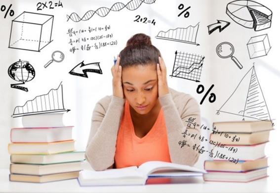 Chica con ansiedad ante los exámenes // Imagen de: http://drcormillot.com/la-ansiedad-ante-los-examenes/