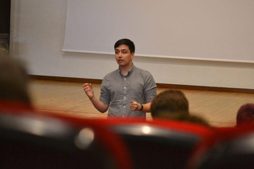 Manuel Iglesias Soilán en una charla sobre inteligencia en Meira